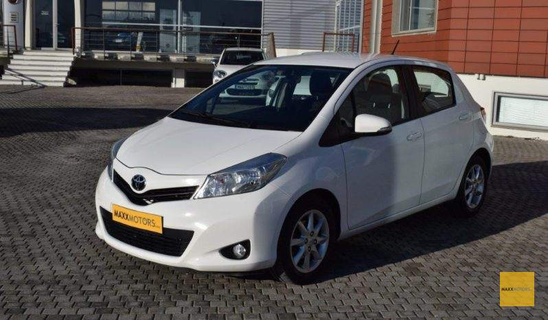 Toyota Yaris 1.4 D-4D 90PS full