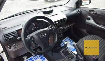 Toyota iQ 1.4VVTI '10 full